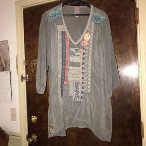 Johnny was embroidered v neck tunic large